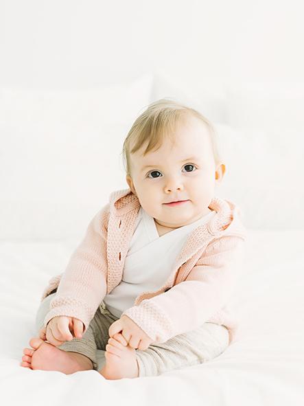 Bebisfoto från studiofotografering i Lund, Skåne Fotograf: Kajsas Foto